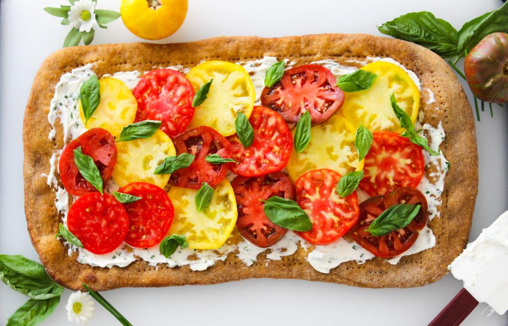 Heirloom Tomato Flatbread - easy and vegan! www.goodandguiltyvegan.com